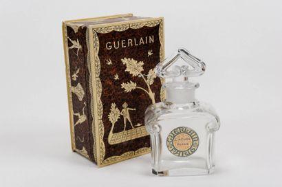 """Guerlain """"L'HEURE BLEUE"""" BACCARAT Flacon modèle bouchon coeur en cristal de Baccarat,..."""