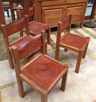 Pierre CHAPO (1927-1986)  Suite de quatre chaises modèle S24, structure en orme...