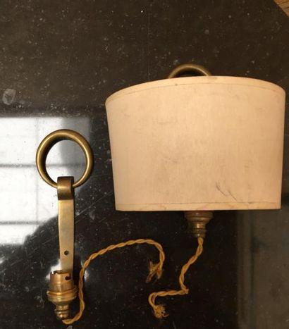 Paire de petites appliques en bronze doré...