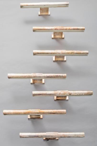 Applique moderniste en métal patiné, plaquette...