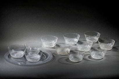 René LALIQUE (1860-1945)  11 coupes à glaces...