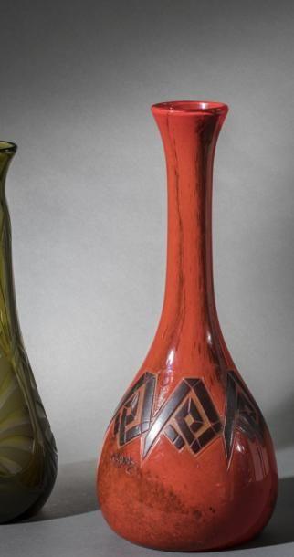 LEGRAS  Vase soliflore à panse globulaire...