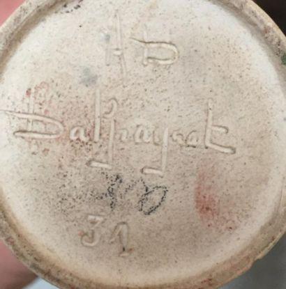 Pierre-Adrien DALPAYRAT (1844-1910)  Vase à col bagué, en grès émaillé rouge. SSB,...
