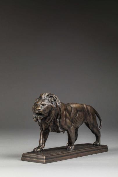D'Après Barye  Lion à l'arrêt  Sculpture