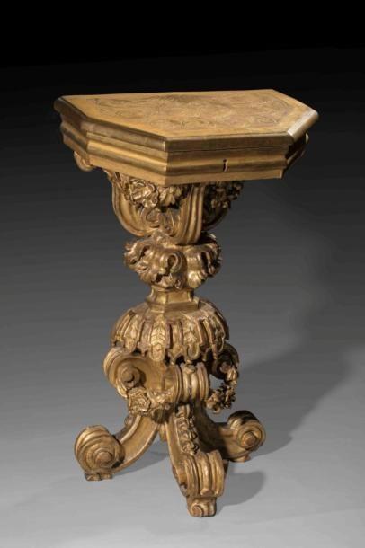 Console d'applique tripode en bois richement...