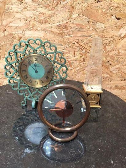 Jaeger Lecoultre  Pendule en fer forgé et bronze . H23cm  Oxydations