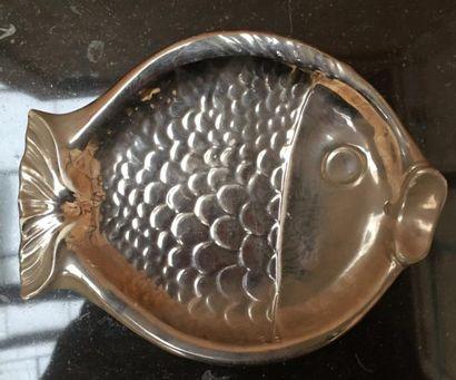 Maison CHRISTIAN DIOR  Plat poisson en céramique...