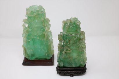 Paire de vases couvert en quartz vert sculpté