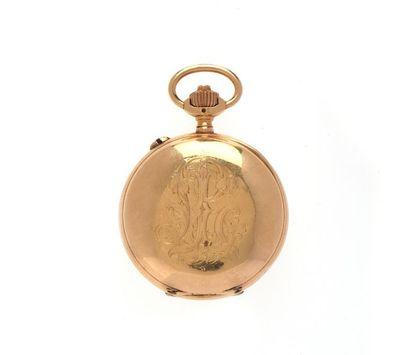 MONTRE DE POCHE tachymètre, deux compteurs, en or jaune (750 millièmes) ciselé d'un...