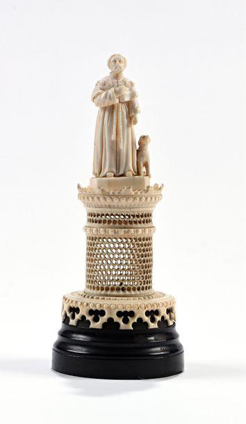 Statuette en ivoire représentant un pèlerin...
