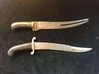 lot de deux couteaux de chasse époque XIXeme/XXeme siècle  sans fourreau manche...