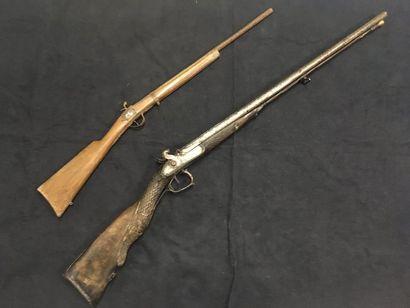 Fusil de chasse à percussion crosse sculptée,...