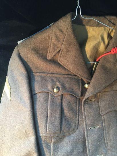 Veste et képi du 2eme régiment de tirailleur...