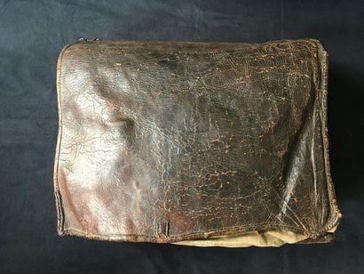 Grosse sacoche de Cavalerie en cuir fin XVIIIème...