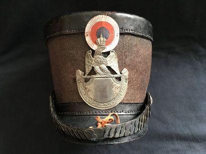 Shako type empire 1812 de la Garde nationale    Fait à partir de certains éléments...