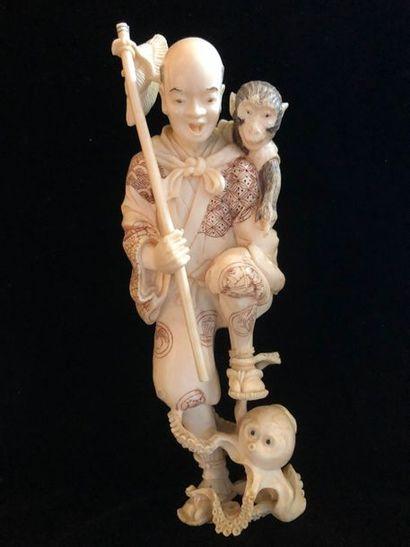 Okimono en ivoire , fin XIXème siècle    Paysan...