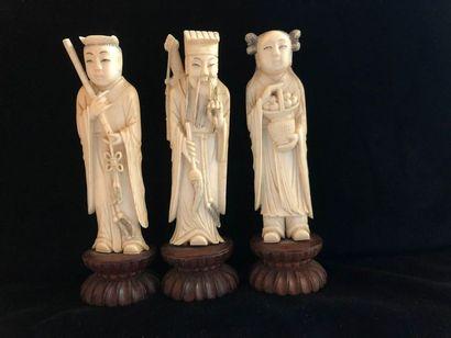 Okimono en ivoire , fin XIXème siècle    3...