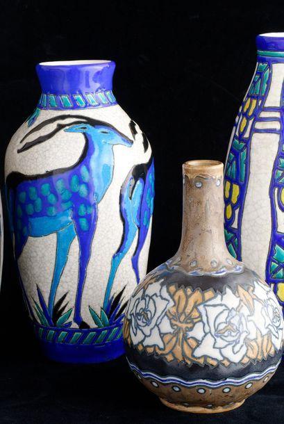 BOCH KERAMIS. Vase boule à fond col décor...