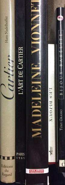Lot de 5 livres :  CARTIER, Editions du Regard // L'art de Cartie, Paris 1989 //...