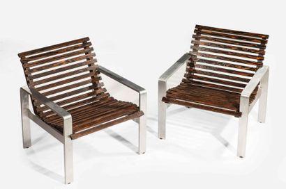 Travail moderne, paire de fauteuils. La structure...