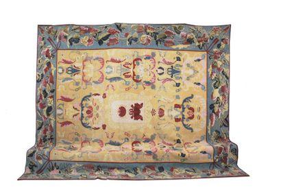 Très original et important tapis Portugais....