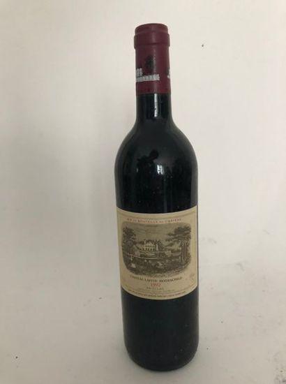 1 bouteille chateau lafite ROTSCHILD 1992...