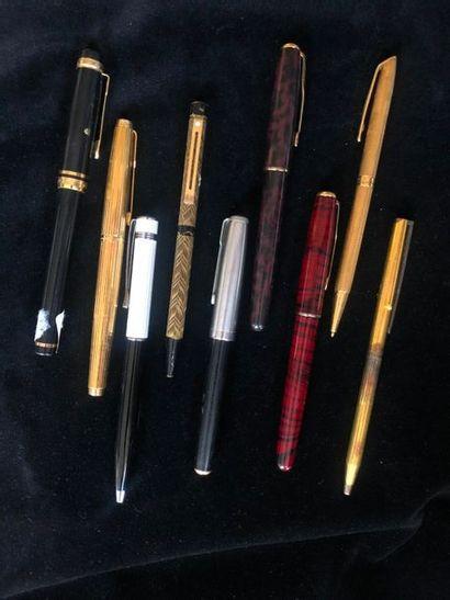Lot de 9 stylos, différentes marques