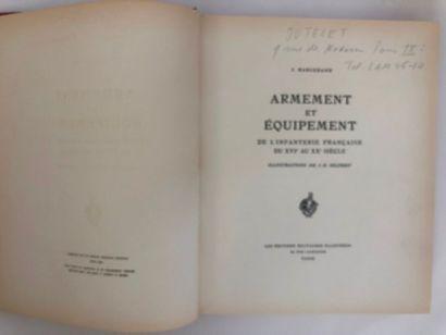 livre relié : Armes et équipements de l'infanterie...