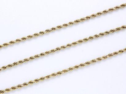 Long collier en or 585 millièmes, composé...