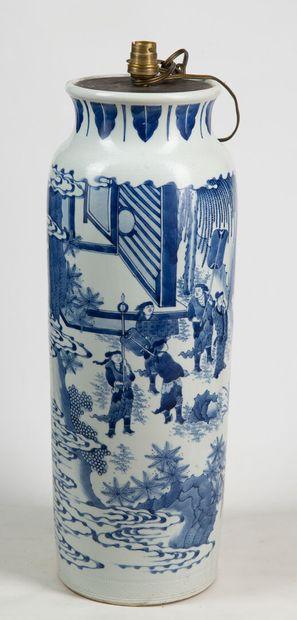 Lampe rouleau, porcelaine de Chine, H : ...