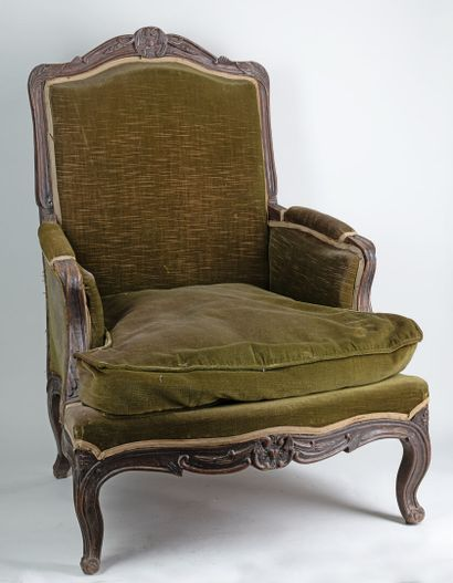 Bergère Louis XV en velour vert pieds ga...