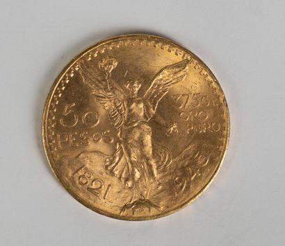 Une pièce en or de 50 pesos 1945. Ce lot...