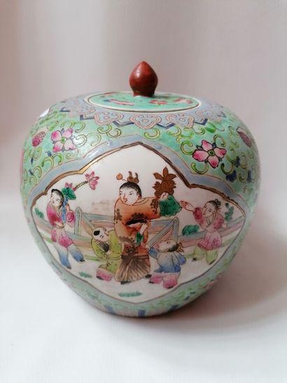 Pot a gingembre en porcelaine de Chine, cachet...