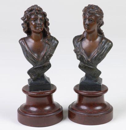 Suite de deux bustes de femmes en régule...