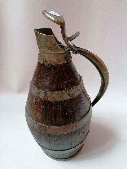 Pichet à cidre en bois et corne