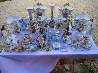 Important lot de porcelaine anciennes environs...
