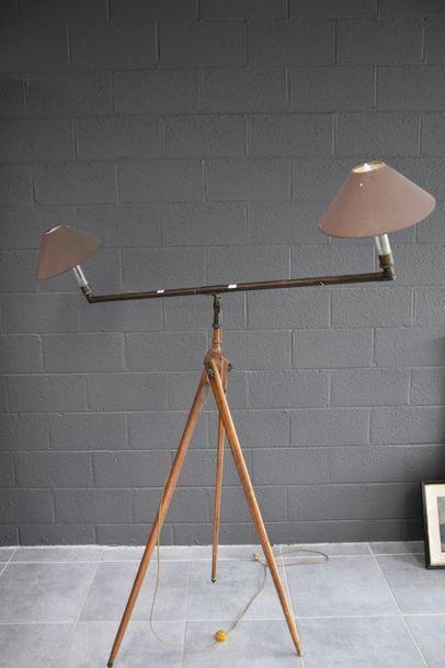 LAMPE INDUTRIELLE ORIENTABLE VERS 1900 MARQUEE...