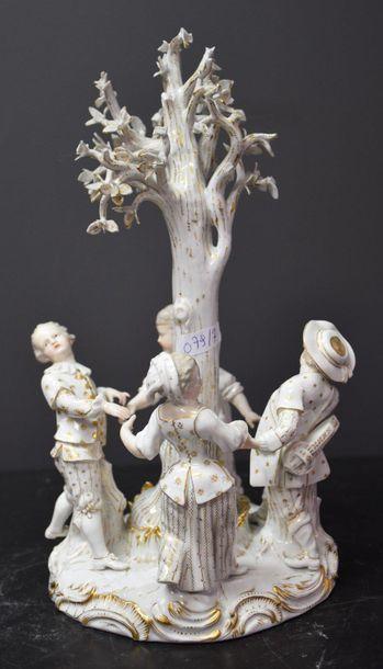 Meissen fin XIX ème siècle , groupe en porcelaine...