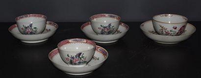 Série de 3 pochons en porcelaine de Chine...
