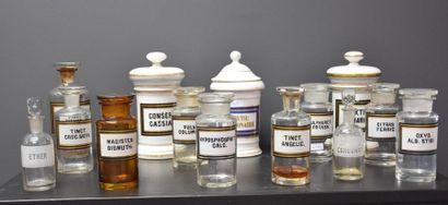 Lot de 14 pots à pharmacie 19 ème siècle...