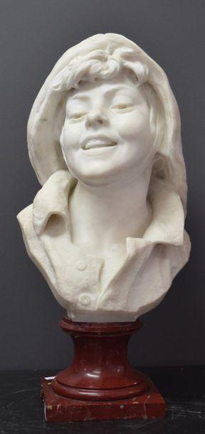 Buste de jeune marin en marbre de carrare...