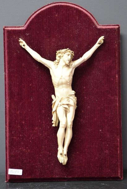 Finely carved ivory Christ, early 19th century. Ht 28 cm. The crown of thorns is...
