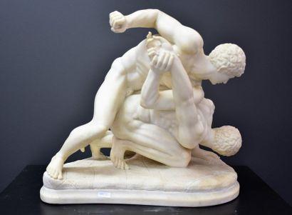 Les lutteurs , sculpture à l'antique en albâtre...