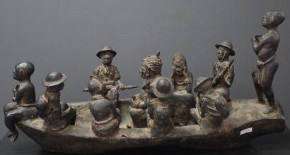 Important bronze du Benin, barque chargée...