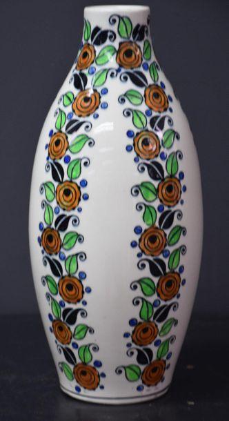 Vase Boch Keramis Catteau à décor peint de...