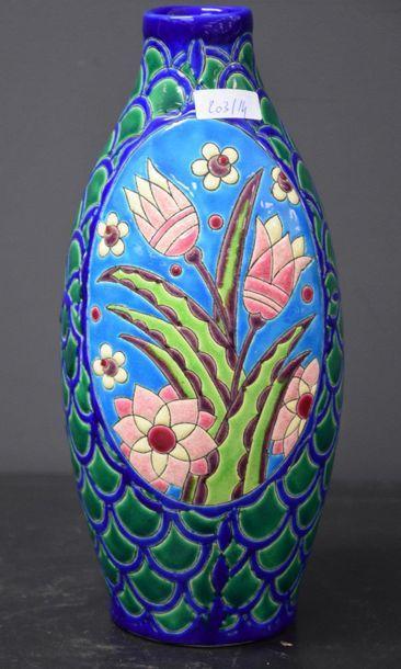 Vase Boch keramis aux fleurs stylisées ....