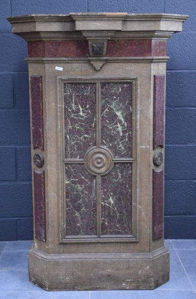 Socle en bois peint imitation marbre . XIX...