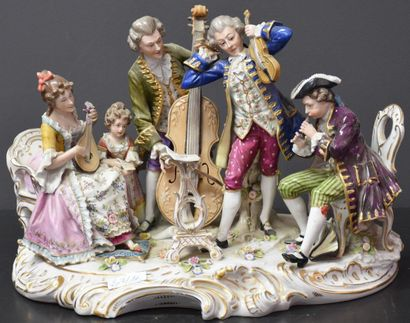 Groupe en porcelaine allemande vers 1900....