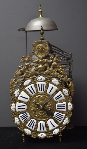 Exceptionnelle pendule lanterne d'époque Louis XV à quarts et carillon, mécanisme...