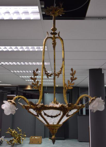 Lustre en cuivre et bronze doré vers 1900...
